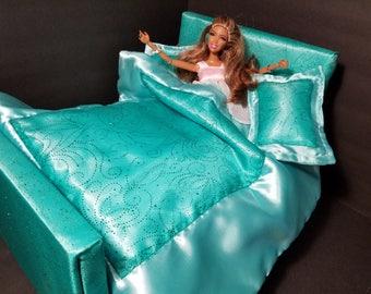 Barbie Luxurious Bed. Barbie Furniture. 1:6 Scale Doll Bed. Handmade Barbie Bratz Pullip or Monster High Doll Bed. Custom Doll Furniture.