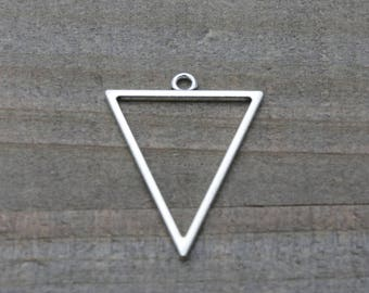 1 PIECE triangle pendant silver plated, triangle pendant, geometric pendant, triangle charm, earring findings 35 mm B0085523
