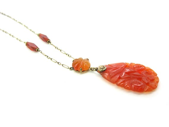 1920s Vintage Chinese Export Art Deco Carnelian Necklace. 14K Gold Choker Gemstone Lavalier Pendant