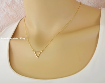 triangle necklace, triangle pendant necklace, gold triangle necklace, silver triangle necklace, geometric necklace, geometric pendant