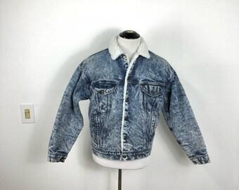80's 90's vintage acid wash levi's sherpa lined denim jean jacket four pocket fleece size M