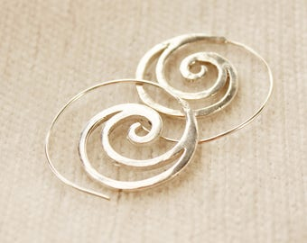 Small Silver hoop earrings Spiral earrings Dainty hoops minimal earrings creole boho jewelry boho earrings Dainty Silver hoops thin earrings