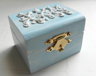 Blue Engagement ring box, wedding ring box, something blue, white flowers, blue velvet, blue trinket box, blue box, blue wedding, floral box