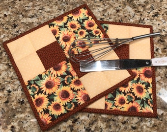 Quilted pot holders, Sunflower potholders, hot pads, trivets, Thanksgiving, fall, Quilty handmade, Item #265