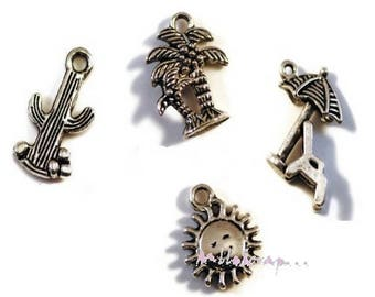 """Set of 4 charms special """"holidays"""" scrapbooking embellishment *."""
