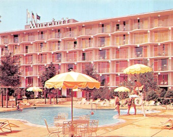 Marriott Hotel in shades of (shocking!) pink Philly PA vintage postcard                           about 1950  (chrome, unused)