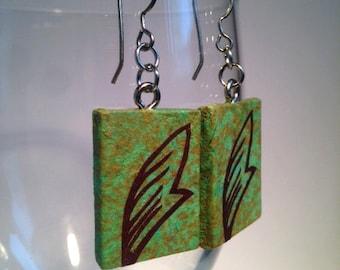 Green Leaf Hanji Paper Earrings Leaf Design Delicate Green Brown Dangle Earrings Hypoallergenic hooks Lightweight Ear rings