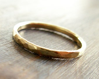 Gold. 14K Hammered Textured Band Wedding Ring (or NOT...). Woman 14K Gold Ring. Unique Hammered Hand Made Recycled Gold Ring. Fine Jewelry.