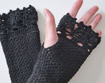 Black crochet gloves with lace trim, R594