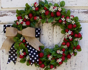 Strawberry Wreath, Farmhouse Wreath, Country Wreath, Spring Wreath, Summer Wreath, Cottage Wreath, Cute Wreath, Door Decor, Door Wreath