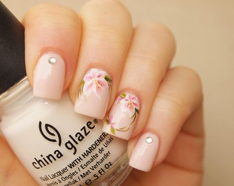 White pink lily nail art water decals/ 20pcs floral nail art decals/ Nail art water transfers/ Floral nail stickers/ art.ble141