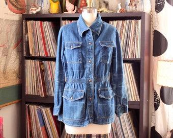 women's vintage denim jacket by Caribou Canada . washed raw indigo denim jacket with fitted waist and snap pockets - medium large
