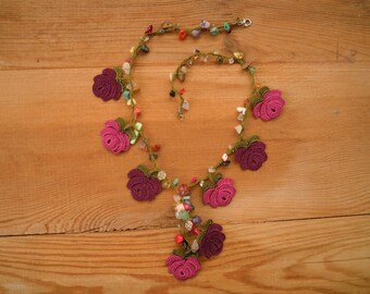 short crochet necklace, purple maroon rose