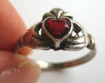 Vintage sterling silver Red gemstone Promise ring, size 8.5