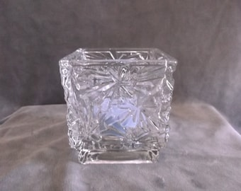 Vintage Avon Votive Winter Lights Snowflake Clear Glass  Candle Holder