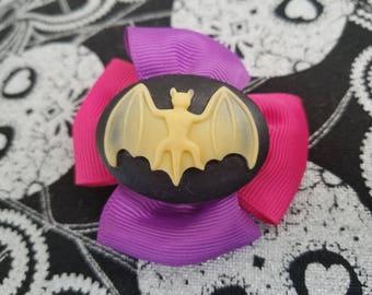 Bat bow!