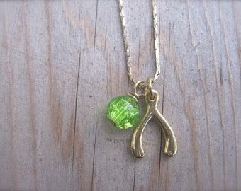 Necklace Lucky Wishbone Green and Gold Vintage Snake Chain Wishbone Charm Necklace with Glass Bead. Make A Wish Amulet Necklace Jewelry Gift