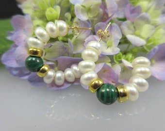 2 pieces 585er Gold stud earrings with Perlbouttons and malachite