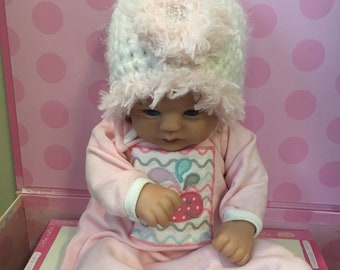 Very soft and fuzzy white newborn girl hat with pink fur, baby girl coming home hat, newborn girl shower gift, photo prop for baby girls