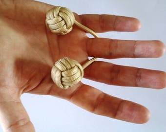 Kombo Balls which Paracord 2 balls in shades of beige