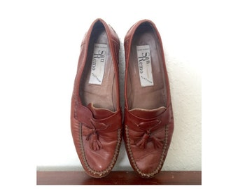 Vintage Mens Size 10 Italian Leather Brown Loafers. Soft Brown Leather San Remo Tassle Slip On Loafers.