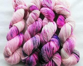 Merino SINGLE yarn, 100% Merinowool 100g 3.5 oz.Nr. 127