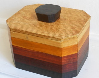 tea caddy/storage striped/rustic