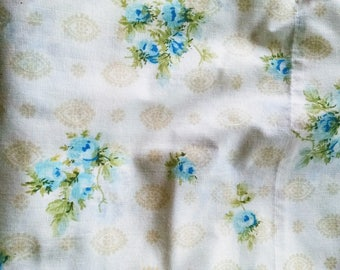 Double Sheet  / Full Double  Sheet / Vintage Sheet / Retro Bedding / Retro Linens / Floral Sheet / Blue Floral Full Sheet