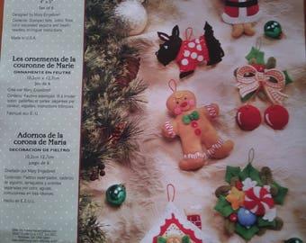 Christmas Ornaments set of 6 - Mary's Wreath Ornaments - Bucilla