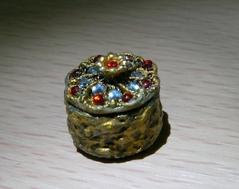 Miniature Dollhouse Jewelry Box, Dollhouse Accessories, Scale 1:12, Scale one inch, Scale miniature