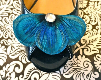 BALEY in Turquoise Peacock Feather Shoe Clips