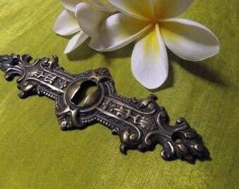 Decorative Horizontal Brass Keyhole Escutcheon 115mm
