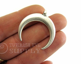 2 pc, Silver Horn Pendant, Silver Plated, Double Horn Charm, Crescent Charm, Crescent Moon, Ethnic Jewelry, Tribal Charm, Large Horn Charm