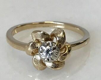 Lovely 14k Yellow Gold Flower Diamond Ring