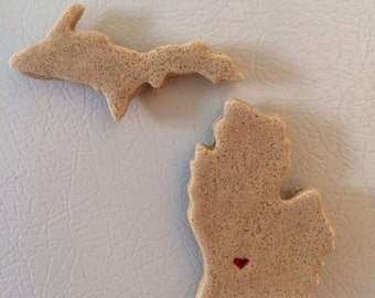 Made with Michigan sand. Upper peninsula and lower Michigan Magnet.