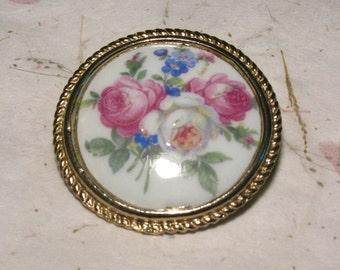 Vintage Porcelain Limoges Decal Brooch Stamped Limoges France in Gold