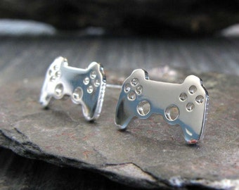 Video game controller sterling silver stud earrings. Tiny minimalist gamer posts 14K gold filled or 14 solid gold available. Geek gift.