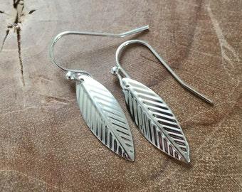 Beautiful Leaf - silvertone dangling earrings with metal leaf charm.