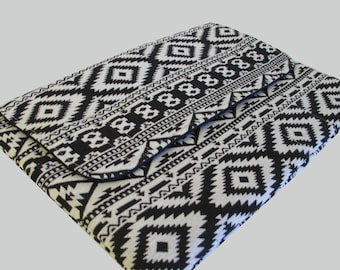 "15 Inch Laptop Case, 15 Inch Laptop Sleeve, 15"" Laptop Cover, 15"" Laptop Bag, Laptop Case 15"" - Black Aztec"