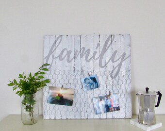 Family Chicken Wire Picture Holder - This is us