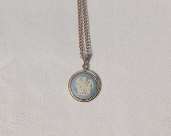 Fantastic Vintage Wedgewood Pendant Necklace.