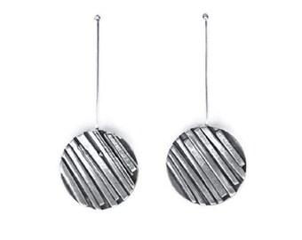 Silver Disc Earrings, Silver Coin Earrings, Silver Circle Earrings, Sterling Silver Drop Earrings, Textured Earrings, Modern Circle Earrings