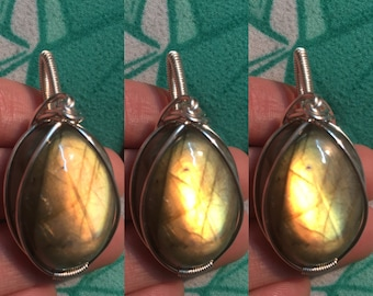 Labradorite wire wrapped pendant / Wire wrapped necklace / Labradorite pendant / labradorite jewelry