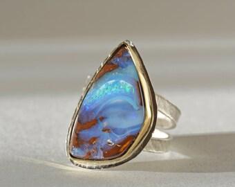 Große Boulder Opalring in Gold und Silber, Größe 8, Opalring, Solid Opal Aussagering, Queensland Australien Opalring, Opal-Cocktail-Ring