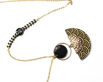 Necklace with fan in black and Golden Japanese paper, sequins and chain black enamel ears.