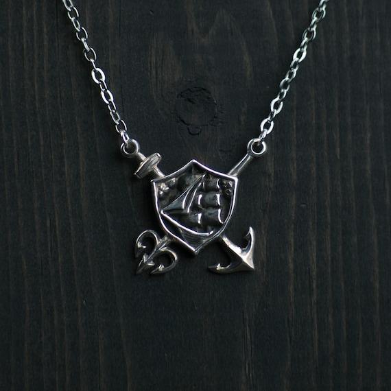 Tritons court necklace