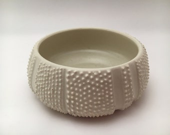 Sea Urchin Bowl - White (medium)
