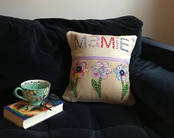 Personalized pillow, Name pillow, Pillow cover, Name pillow cover, Custom pillow, Custom name pillow, Cushion, Cushion cover, Grandma gift