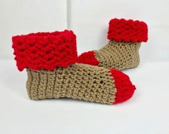 Pantoufles, chaussons chaussettes avec manchette, cadeau Saint Valentin, rouges marrons chaussettes, chaussons, femmes slip ons au crochet