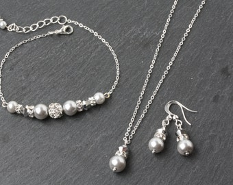 light grey pearl Bridesmaid jewelry set, grey earrings and necklace set, silver and grey wedding Jewelry, bridesmaid gift, silver wedding